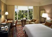 634919744795884382_Mumbai_TL_00507_executivesuite_bedroom_1280x900