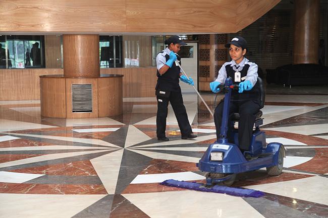 Cleaning Floor - Radiant2