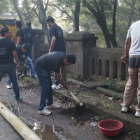 Rotaract club members participating in Swachh bharat Mission