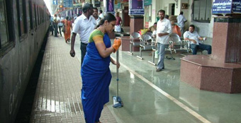 50 Major Railway Stations to outsource integrated cleanliness