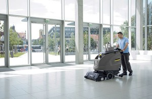 Maintenance-cleaning-with-the-scrubber-drier-B-60-W