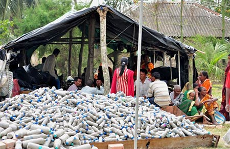 Plastic-Bottles-filled-with-mud-or-sand-to-be-used-for-construction-by-Samarpan-Foundation