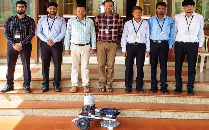 Students develop tile polishing robot