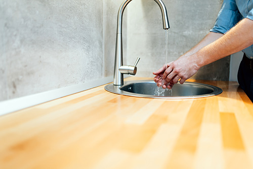 Study: Clean Hands improve Restaurant Business